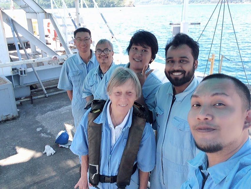 ROV students together with our training instructors