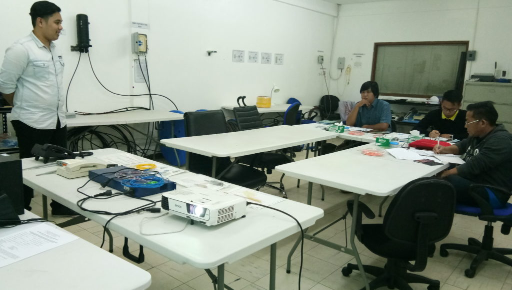 Subnet Services fiber optics training instructor during lecture